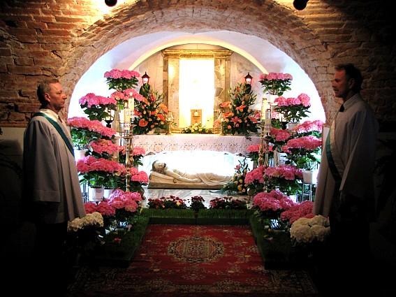 Wielkanoc W Kole Zobacz Groby Pańskie W Kolskich Kościołach